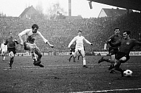 0219636 © Granger - Historical Picture ArchiveSOCCER.   Football Germany, Bundesliga, 1967/1968, Borussia Moenchengladbach versus 1. FC Nuremberg 1:1, Boekelberg Stadium, scene of the match1:1 equalizer Moenchengladbach, shot on goal by Herbert Laumen (2nd f.l.), 10.02.1968.