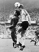 0219769 © Granger - Historical Picture ArchiveSOCCER.   UEFA European Football Championship 1984, Final_tournament in France, Group phase, Group 2 in Paris: Fed. Rep. of Germany vs. Spain 0:1, duel between Karl-Heinz Foerster (FRG, r.) and Victor Munoz Manrique (ESP, l.), June 20, 1984.