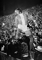 0219869 © Granger - Historical Picture ArchiveSOCCER.   Football Germany, European Cup, 1971/1972, eighth final, first leg, Borussia Moenchengladbach versus Inter Mailand 7:1, Boekelberg Stadium in Moenchengladbach, rejoicing football fans with carton of Guenter Netzer, 20.10.1971.