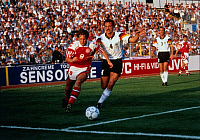 0219894 © Granger - Historical Picture ArchiveSOCCER.   UEFA European Football Championship 1988, final_tournament in Sweden, final in Gothenburg, Denmark vs. Germany 2:0, scene of the match, duel between Flemming Povlsen (DEN, l.) and Juergen Kohler (GER, 4), June 26, 1992.