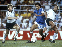 0220494 © Granger - Historical Picture ArchiveSOCCER.   1982 FIFA World Cup in Spain Semi-final in Sevilla: Germany 8 - 7 France (after penalty shoot-out, 3 - 3 after extra time) - Scene of the match: Bernd Foerster (left, Germany), Michel Platini (Center, France) and Wolfgang Dremmler (right, Germany) in action - - 08.07.1982 AP Only-available-for-Germany-Austria-Eastern-Europe! No-commercial-use-in