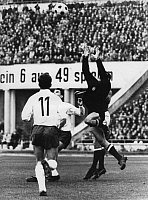 0220537 © Granger - Historical Picture ArchiveSOCCER.   UEFA European Football Championship 1968, Preliminary round, Group 5, match in Leipzig: German Democratic Republic (GDR, East Germany) vs. Hungary 1:0 - Hungarian goalkeeper Gyula Tamas and East German players Wolfram Loewe und Henning Frenzel, October 29, 1967.