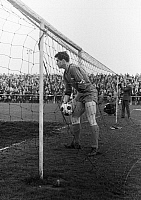 0220639 © Granger - Historical Picture ArchiveSOCCER.   Football Germany, Regionalliga West, 1965/1966, Fuerstenberg Stadium in Gelsenkirchen, STV Horst-Emscher versus Fortuna Duesseldorf 3:7, scene of the match, goal Duesseldorf, Karl Heinz Kaczmarczik (STV) gets the ball 11.04.1966.