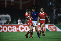 0220758 © Granger - Historical Picture ArchiveSOCCER.   UEFA European Football Championship 1988, final_tournament in Germany, Group 1 in Cologne, Italy vs. Denmark 2:0, scene of the match, John Faxe Jensen (DEN, l.), Carlo Ancelotti (ITA, c.) and Flemming Povlsen (DEN, r.) after slap in the face, June 17, 1988.