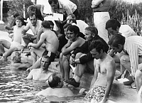 0220884 © Granger - Historical Picture ArchiveSOCCER.   1970 FIFA World Cup in Mexico At the training camp of the Germany team in Comnajilla: players and officials in the swimming-pool - - 12.06.1970.