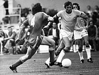0221142 © Granger - Historical Picture ArchiveSOCCER.   1974 FIFA World Cup in Germany Third place play-off in Munich: Poland 1 - 0 Brazil - Scene of the match: Brazil player Francisco Marinho (right) and Polish Szymanowski - - 06.07.1974.