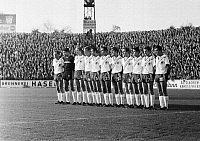0221330 © Granger - Historical Picture ArchiveSOCCER.   Football Germany, Regionalliga West, 1968/1969, Rot-Weiss Essen versus Rot-Weiss Oberhausen 0:0, Stadium an der Hafenstrasse in Essen, team photograph, shot ot the Oberhausen team f.l.t.r. Friedhelm Kobluhn, Wolfgang Scheid, Friedhelm Dick, Lothar Kobluhn, Dieter Hentschel, Hermann Josef Wilbertz, Werner Ohm, Hugo Dausmann, Heinz Poll, Georg Mue