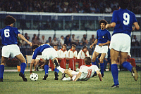 0221399 © Granger - Historical Picture ArchiveSOCCER.   UEFA European Football Championship 1980, Final_tournament in Italy, Third Place Playoff in Naples: Czechoslovakia vs. Italy 10:9 (9:8 PSO, 1:1), Ladislav Vizek (CZE, center) surrounded by four Italian players, June 21, 1980.