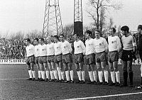 0221435 © Granger - Historical Picture ArchiveSOCCER.   Football Germany, Bundesliga, 1969/1970, FC Schalke 04 versus Rot-Weiss Oberhausen 2:2, Glueckaufkampfbahn Stadium in Gelsenkirchen, team photograph, shot of Rot-Weiss Oberhausen f.l.t.r. Franz Krauthausen, Dieter Brozulat, Hugo Dausmann, Gert Froehlich, Werner Ohm, Hermann Josef Wilbertz, Dieter Hentschel, Hans Fritsche, Lothar Kobluhn, Friedhe