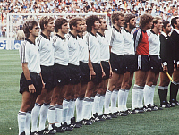 0221497 © Granger - Historical Picture ArchiveSOCCER.   1982 FIFA World Cup in Spain Final in Madrid: Germany 1 - 3 Italy - lineup of the Germany team before the kick-off. From left to right: Pierre Littbarski, Karl-Heinz Foerster, Klaus Fischer, Wolfgang Dremmler, Bernd Foerster, Paul Breitner, Ulrich Stielike, Hans-Peter Briegel, Manfred Kaltz, Harald æToniÆ Schumacher, Karl-Heinz Rummenigge - -