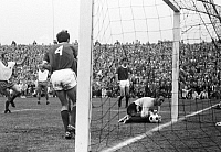 0221561 © Granger - Historical Picture ArchiveSOCCER.   Football Germany, Regionalliga 1968/1969, promotion match to the Bundesliga 1969/1970, Rot-Weiss Oberhausen versus Freiburger FC 0:0, Niederrhein Stadium in Oberhausen, scene of the match, save of goalkeeper Harald Hess (Freiburg), 25.06.1969.