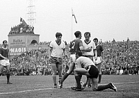 0221612 © Granger - Historical Picture ArchiveSOCCER.   Football Germany, Regionalliga 1968/1969, promotion match to the Bundesliga 1969/1970, Rot-Weiss Oberhausen versus Freiburger FC 0:0, Niederrhein Stadium in Oberhausen, scene of the match f.l.t.r. Juergen Billmann (Freiburg), Rainer Laskowsky (RWO), Guenter Streich (Freiburg, Nr. 2), goalkeeper Harald Hess (Freiburg), Hugo Dausmann (RWO), Werner