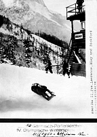 0222296 © Granger - Historical Picture ArchiveSPORTS.   Winter Olympics at Garmisch-Partenkirchen four-man bobsled, USA, with Fox, Lawrence, Bley und Bickford during the race, phototelegram published in BZ at February 11th in 1936.