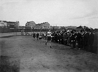 0222362 © Granger - Historical Picture ArchiveSPORTS.   Germany, Sports Festival im Sportpark Berlin-Friedenau, Friese from Hamburg winning the 800 metres, 1900.