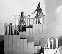 0222807 © Granger - Historical Picture ArchiveTHEATER.   The King of the Dark Chamber, theatrical play by Rabindranath Tagore: the actresses Fritta Brod and Ms. Wolff on stage - Published by: 'Berliner Illustrirte Zeitung' 51/1920 Vintage property of ullstein bild.