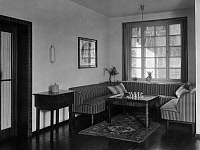 0226044 © Granger - Historical Picture ArchiveDESIGN.   Germany entance hall in a flat, furniture made from walnut, design by Karl Bertsch, date unknown, around 1920, photo by Atelier Leonard.