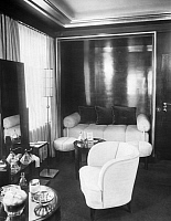 0226178 © Granger - Historical Picture ArchiveDESIGN.   German Empire: Interior of the Villa Zissu in Berlin Grunewald, Gustav-Freytag-Strasse 12; Architect: Michael Rachlis, the dressing room - Photographer: Martin Munkacsi - Published by: 'Die Dame' 18/1931 Vintage property of ullstein bild '.