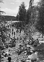 0226317 © Granger - Historical Picture ArchivePEOPLE.   Bathers at the shore of a fjord in Norway - Photographer: Lothar Ruebelt - Published by: 'Die Dame' 18/1936 Vintage property of ullstein bild.