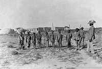 0227326 © Granger - Historical Picture ArchivePEOPLE.   Namibia: German Southwest Africa (1884-1914): Children stand in rank and file - ca. 1906 Vintage property of ullstein bild.