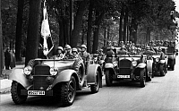 0227716 © Granger - Historical Picture ArchivePEOPLE.   German Empire Free State Prussia - Brandenburg Provinz (Province) - Berlin: Soldats of the German Luftwaffe (Wehrmacht) going to the parade on the occasion of the visit of Mussolini in Berlin - Photographer: Heinz Fremke - Published by: 'B.Z.' 29.09.1937 Vintage property of ullstein bild.