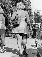 0228610 © Granger - Historical Picture ArchivePEOPLE.   Germany, overweight teenager in a mini dress - Photographer: Gert Kreutschmann - 1974 Vintage property of ullstein bild.