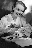 0228644 © Granger - Historical Picture ArchivePEOPLE.   Baeuty: Manicurist during manicure, polishing fingernails of a lady - Photographer: Yva - Published by 'Berliner Morgenpost' 12.02.1934 Vintage property of ullstein bild.