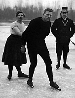 0229968 © Granger - Historical Picture ArchivePEOPLE.   Netherlands, Friesland. Ice skating. Around 1900..