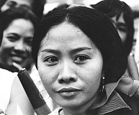 0232815 © Granger - Historical Picture ArchivePEOPLE.   Philippines, Manila: portrait of a woman standing at the street on the occasion of the visit of Pope Paul VI. - 1970.