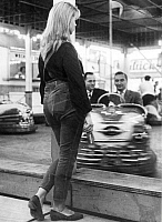 0232993 © Granger - Historical Picture ArchivePEOPLE.   Germany, West Berlin, funfair attractions: girls standing next to the bumper car - Photographer: Gert Kreutschmann - 1959 Vintage property of ullstein bild.