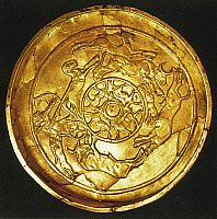 0233364 © Granger - Historical Picture ArchiveFINE ART.   Middle East Ancient Times Golden offering tray with hunting scenes, found at Ugarit (Ras Shamara) / Syria - ca. 1400 B.C..