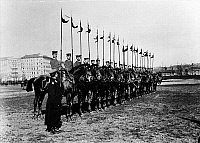 0234119 © Granger - Historical Picture ArchiveMILITARY.   German Empire, military: 1. Garde-Dragoner Regiment in Berlin Kreuzberg: dragoons exercising on horses, 1905 dragoner.