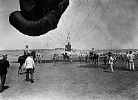 0234321 © Granger - Historical Picture ArchiveMILITARY.   Second Rif War, conflict in 1909 in Morocco around Melilla, reconnaissance ballon ascension, Spanish troops scouting enemy's positions, date unknown, around 1909, published in Berl. Illustrirte Zeitung 40/1909, photo by Charles Trampus.