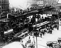 0234595 © Granger - Historical Picture ArchiveTRANSPORTATION.   USA - New York Bundesstaat State - New York City: Accident on the BMT Fifth Avenue Line in Brooklyn - train falls from the line on the street - Photographer: Sennecke - Published by: 'Zeitbilder' 28/1923 Vintage property of ullstein bild.