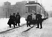 0235219 © Granger - Historical Picture ArchiveTRANSPORTATION.   German Empire Free State Prussia - Brandenburg Provinz (Province) - Berlin: winter, iced points - Photographer: Heinz Fremke - Published by: 'Berliner Morgenpost' 20.01.1937 Vintage property of ullstein bild.