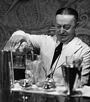 0235799 © Granger - Historical Picture ArchiveGASTRONOMY.   Ile de France Paris: Monsieur Franck, bartender at the Hotel Ritz - Photographer: Roger Schall - Published by: 'Die Dame' 04/1938 Vintage property of ullstein bild.