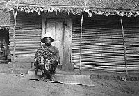 0236394 © Granger - Historical Picture ArchiveGEOGRAPHY.   French equatorial africa: Gabun Village Madoukon, Ht. Ogooue - The village chief 1911 Foto: M. Rol.