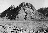 0236435 © Granger - Historical Picture ArchiveGEOGRAPHY.   Arabia, Desert, Mount Sinai, Jabal Monsa - Published 'Fridolin' 08/1922 - Photographer: American Colony - 1914.