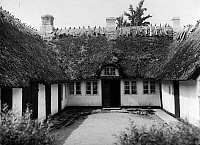 0238342 © Granger - Historical Picture ArchiveGEOGRAPHY.   German Empire Free State Prussia - Schleswig-Holstein Provinz (Province): Frisia: half- timbered frisian house, exterior view from the back - Photographer: Martin Munkacsi - - undated Vintage property of ullstein bild.