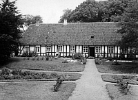 0238346 © Granger - Historical Picture ArchiveGEOGRAPHY.   German Empire Free State Prussia - Schleswig-Holstein Provinz (Province): Frisia: half- timbered frisian house, exterior view - Photographer: Martin Munkacsi - - undated Vintage property of ullstein bild.