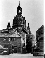 0238839 &copy; Granger - Historical Picture ArchiveGEOGRAPHY.   Germany, Dresden: alley the old town with Frauenkirche, about 1940 </english) kirche altstadt.