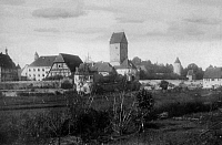 0239539 © Granger - Historical Picture ArchiveGEOGRAPHY.   German Empire - Bayern Koenigreich (Kingdom Bavaria) (-1918): Franconia, Dinkelsbuehl Rothenburger Tor, town gate in the town wall - Photographer: Froelich - - undated Vintage property of ullstein bild.
