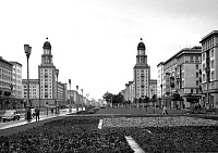 0240371 © Granger - Historical Picture ArchiveGEOGRAPHY.   German Democratic Republic - Ost-Berlin East Berlin: Stalinallee with Frankfurter Tor. - 10.06.1958.