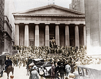 0242625 © Granger - Historical Picture ArchiveECONOMY.   New York, Black Thursday (October 24, 1929): People gathering at Wall Street in front of the New York Stock Exchange (NYSE) - October 25, 1929 Digitally colorized. Original: image no 00007094.