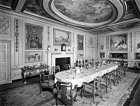 0243009 © Granger - Historical Picture ArchiveLEISURE.   The dollhouse of Queen Mary II of England. The dining-hall. - Photographer: Topical Press Agency - Published by: 'Der heitere Fridolin' 21/1924 Vintage property of ullstein bild.
