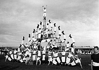 0243613 © Granger - Historical Picture ArchiveLEISURE.   France - Auvergne - Vichy Sports meeting. Sportsmen showing acrobatic practices. They form a human pyramid. - Photographer: M.Rol - 1913 Vintage property of ullstein bild.
