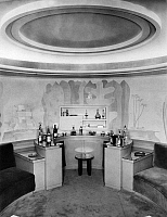 0245464 © Granger - Historical Picture ArchiveLIFESTYLE.   Interior of the Villa Zissu in Berlin Grunewald, Gustav-Freytag-Strasse 12 Architect: Michael Rachlis, House bar with paintings in pastell furniture: Tobe. picture taken by Martin Munkacsi.