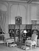0245587 © Granger - Historical Picture ArchiveLIFESTYLE.   France: Sitting room, folding-screen with paintings by Huet - 1928 Vintage property of ullstein bild.