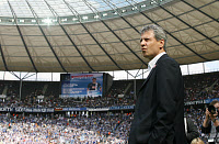 0260925 © Granger - Historical Picture ArchiveLUCIEN FAVRE .   Lucien Favre - coach, Hertha BSC Berlin, Switzerland: at the Olympic stadium - 18.08.2007 *** Local Caption *** 00978457. Behrendt / contrast - ullstein bild / Granger, NYC -- All Rights Reserved.