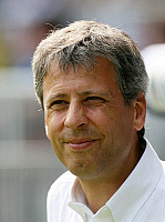 0261235 © Granger - Historical Picture ArchiveLUCIEN FAVRE .   Lucien Favre - coach, Hertha BSC Berlin, Switzerland - 25.08.2007*** Local Caption *** 00928888. contrast/Pollack - ullstein bild / Granger, NYC -- All rights rese
