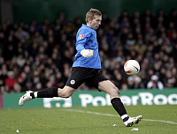 0261807 © Granger - Historical Picture ArchivePATRIK BORGER.   Borger, Patrik - Soccer, Goalkeeper, FC St. Pauli, Germany - taking a goal kick - 11.11.2007 No-commercial-use! Not-available-for-Axel-Springer! *** Local Caption *** 01025537. Public Address - ullstein bild / Granger, NYC -- All Rights Reserved.